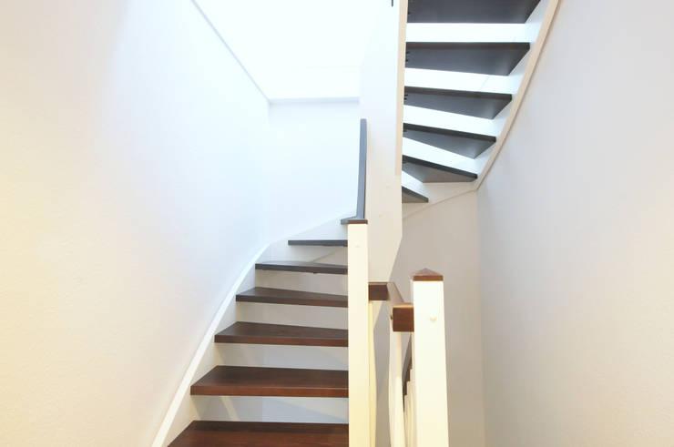 Corridor & hallway by baufactum , Country