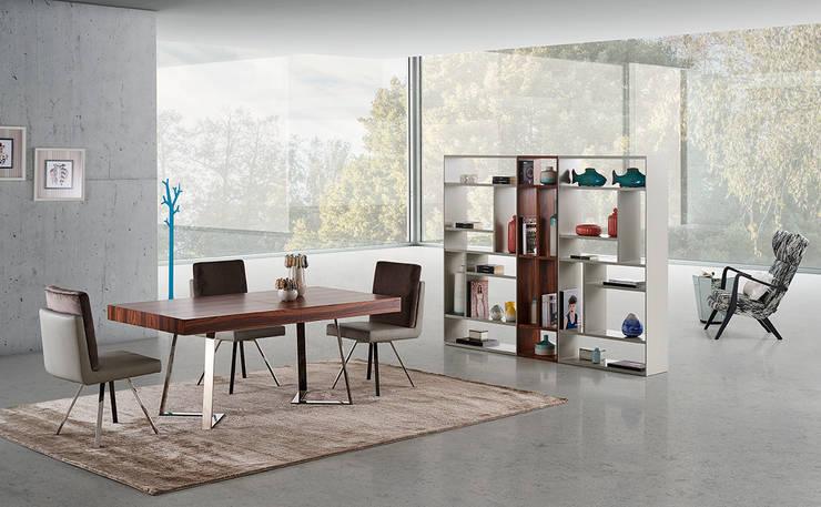 SALA JANTAR BARCELONA: Sala de jantar  por Antarte Mobiliário
