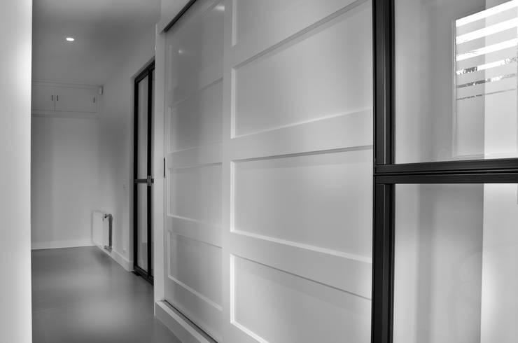 de estilo  de Joep Schut, interieurmaker, Moderno Tablero DM