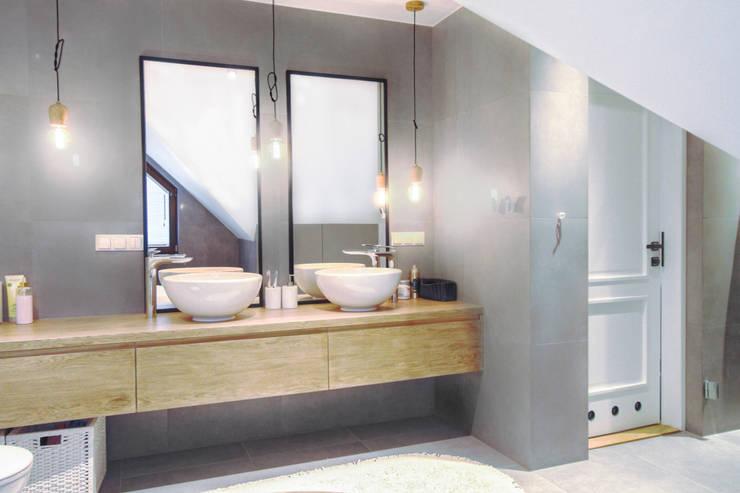 Phòng tắm by MOTHI.form