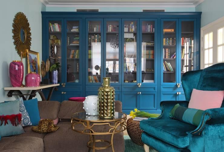 Квартира для телеведущей: Гостиная в . Автор – Atelier Interior
