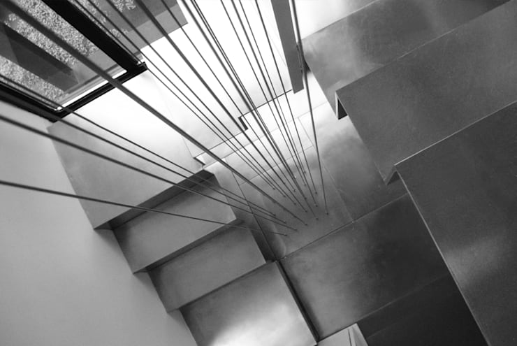 Stairs - Historic Preservation - Paul Rudolph Estate 現代風玄關、走廊與階梯 根據 Joe Ginsberg Design 現代風