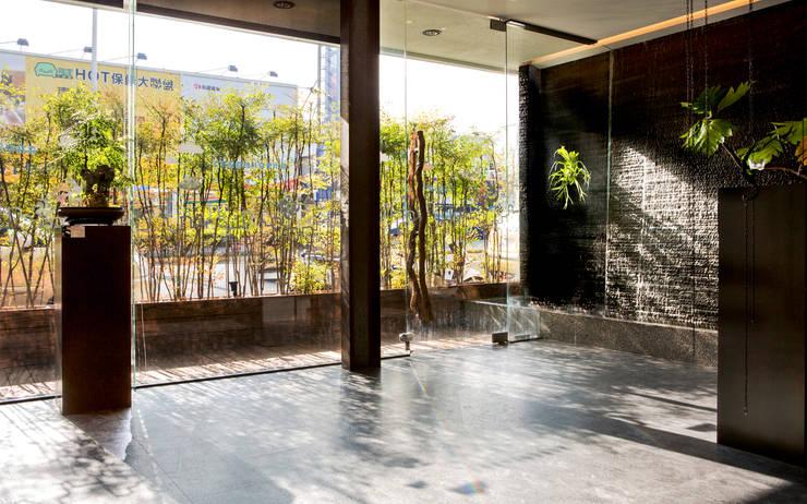 藝樹食屋:  商業空間 by 伏見設計事業有限公司