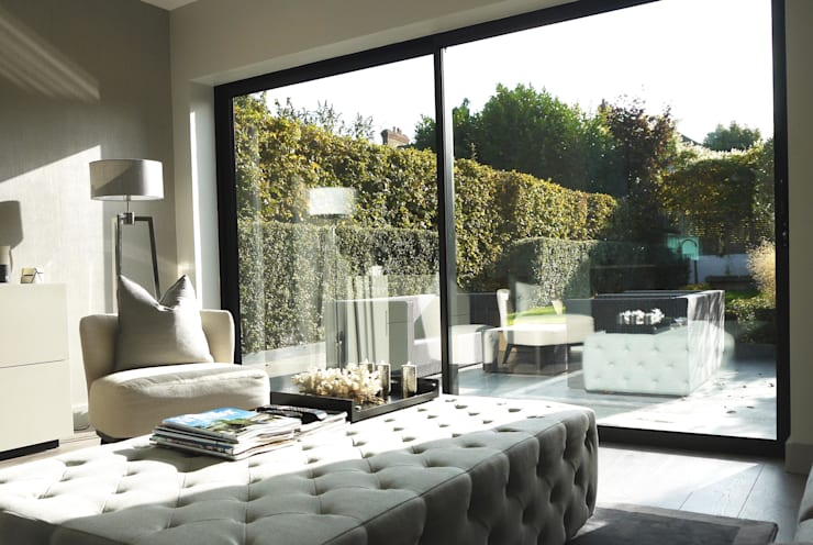 Contemporary house extension: modern Living room by Artform Architects