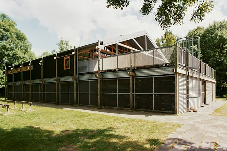 Bars & clubs by Architectenburo Holtrop, Industrial