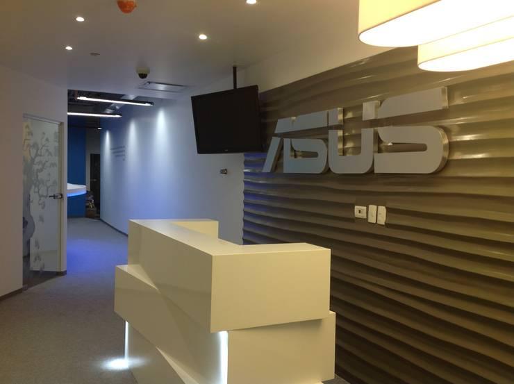 Oficinas y Tiendas de estilo  por Alinka Interiorismo