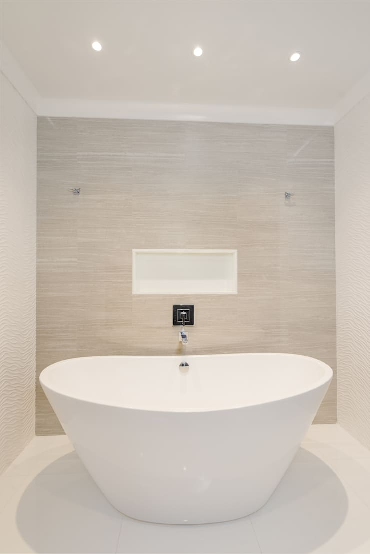 Master Bathroom with Free standing vessel tub:  Bathroom by HOMEREDI