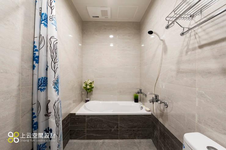 小資最愛 20坪溫馨北歐宅:  浴室 by 上云空間設計