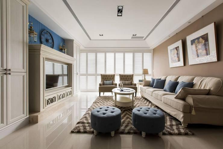 用光譜寫的美式鄉村風:  客廳 by 辰林設計實業有限公司