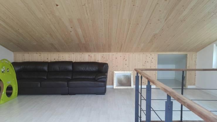 수완동 단독주택: 인우건축사사무소의  서재 & 사무실