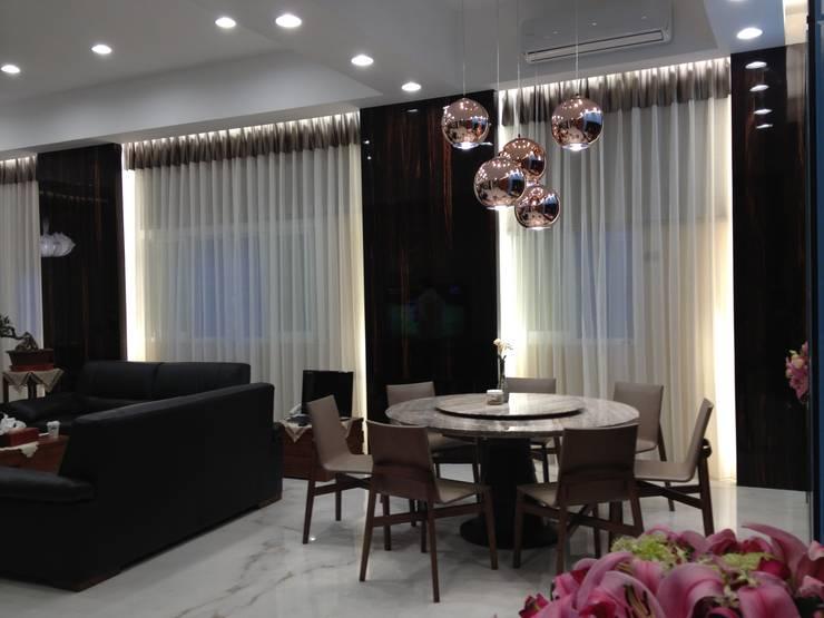 台南(陳公館)新建住宅:  餐廳 by 三月室內裝修設計有限公司