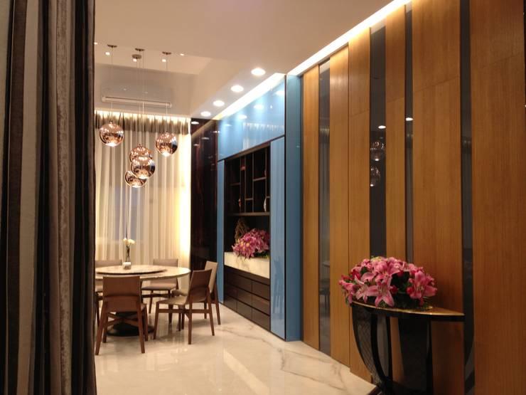 台南(陳公館)新建住宅:  走廊 & 玄關 by 三月室內裝修設計有限公司