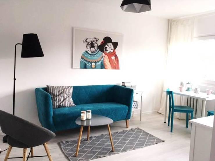 Living room by Pasja Do Wnętrz