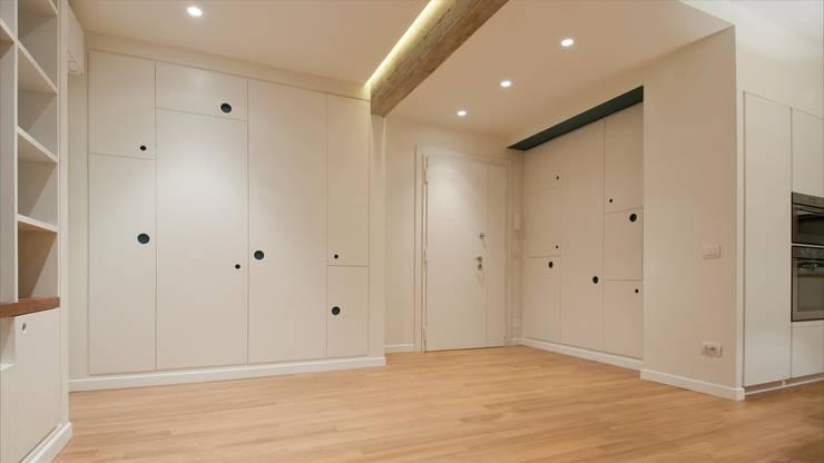 Pasillos y vestíbulos de estilo  de Archifacturing