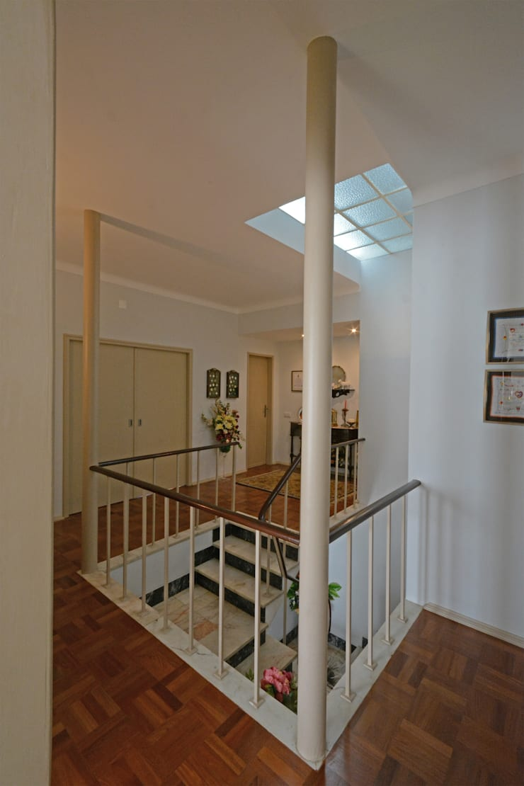 Hall depois:   por Borges de Macedo, Arquitectura.,