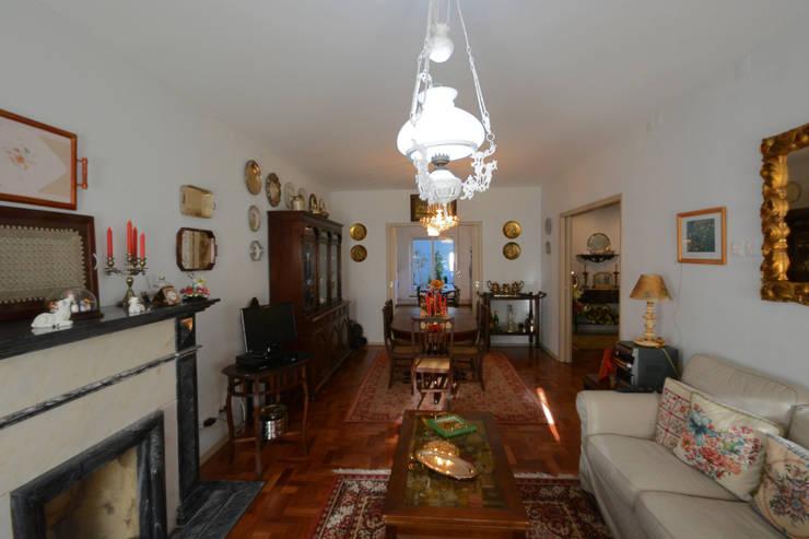 Sala depois:   por Borges de Macedo, Arquitectura.,