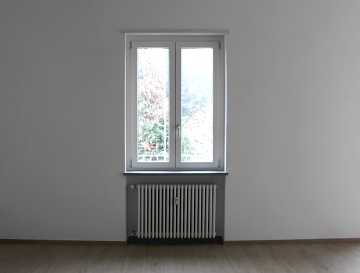 Puertas y ventanas de estilo moderno por Aulaquattro