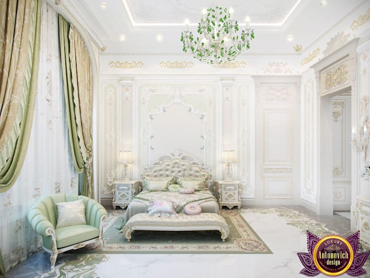 ​  Bedroom interior in classic style by Katrina Antonovich:  Bedroom by Luxury Antonovich Design