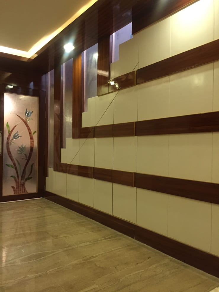 MR. NANDESH KATTA'S RESIDENCE:  Corridor, hallway & stairs  by cosmos collection