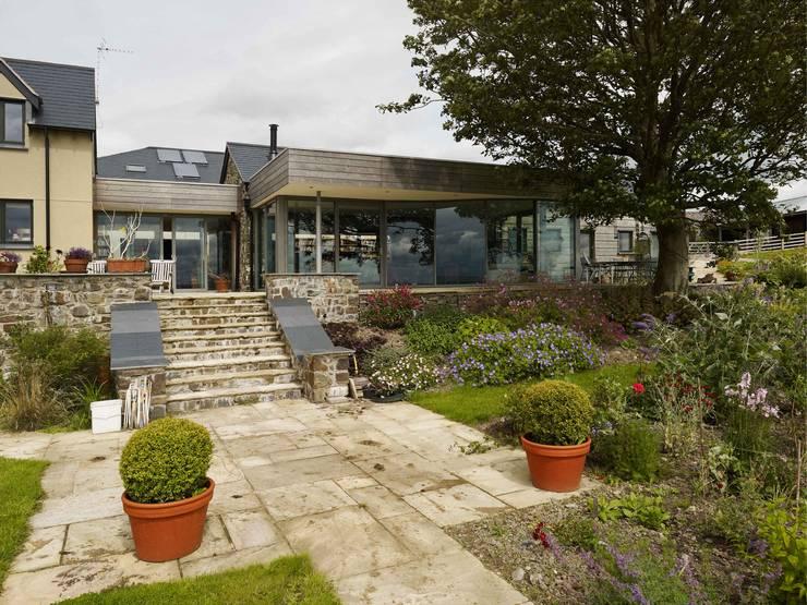 Casas de estilo moderno por Baart Harries Newall