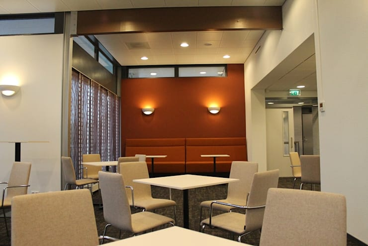 Restyling interieur Rouwcentrum: modern  door Huibers & Jarring architecten BNA, Modern