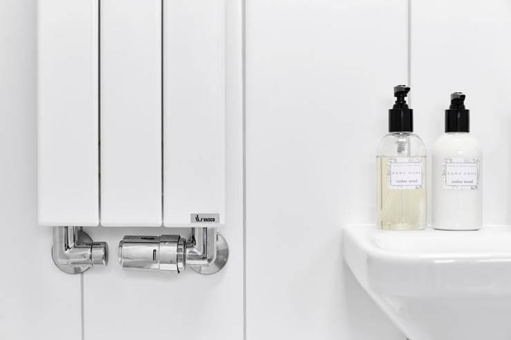 Bathroom by BLACKHAUS