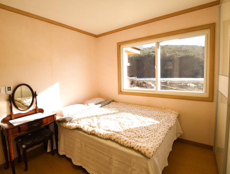 해질녘 노을이 아름다운 집: 꿈애하우징의  방,지중해