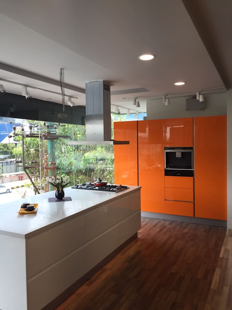 Residential projects:  Kitchen by Antarangni Interior p ltd