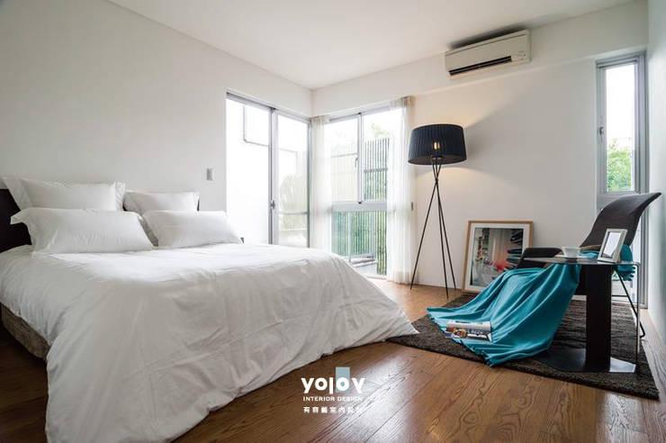Bedroom by 有容藝室內裝修設計有限公司