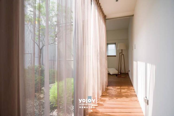 自然。隱逸 - 北歐風格:  走廊 & 玄關 by 有容藝室內裝修設計有限公司