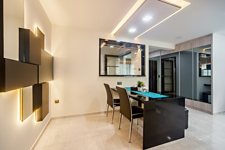 HDB Blk 293B Compassvale Crescent:  Dining room by Renozone Interior design house