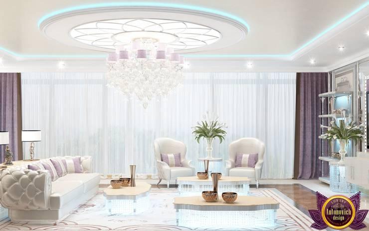   Colorful interiors of Katrina Antonovich:  Living room by Luxury Antonovich Design, Eclectic
