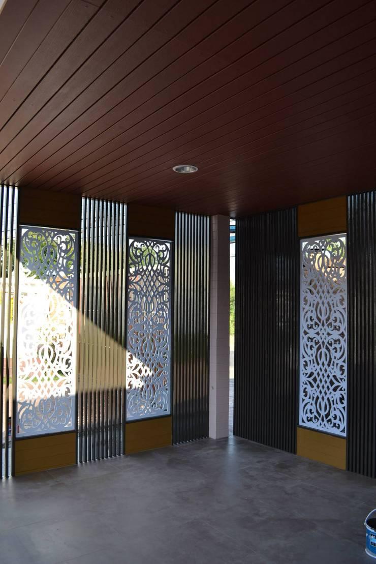 โรงรถบ้านกมลวรรณ.:   by 7สถาปนิก ยโสธร
