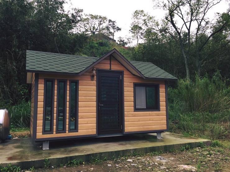 Casas de estilo rural por 現代建材有限公司