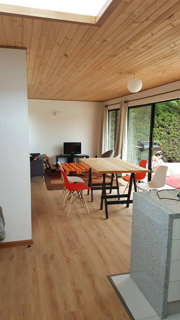 Casa Mirasol – Algarrobo: Comedores de estilo  por Lares Arquitectura