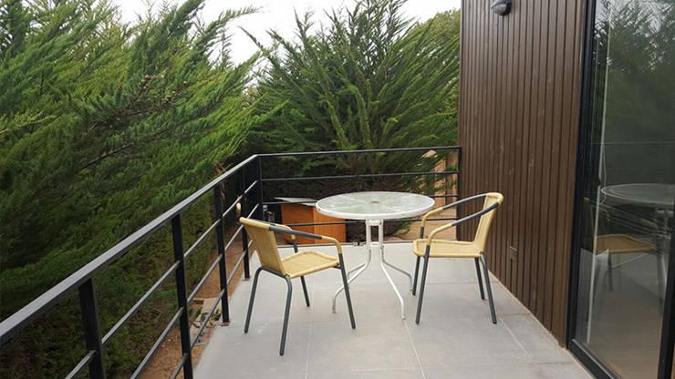 Casa Mirasol - Algarrobo: Terrazas  de estilo  por Lares Arquitectura