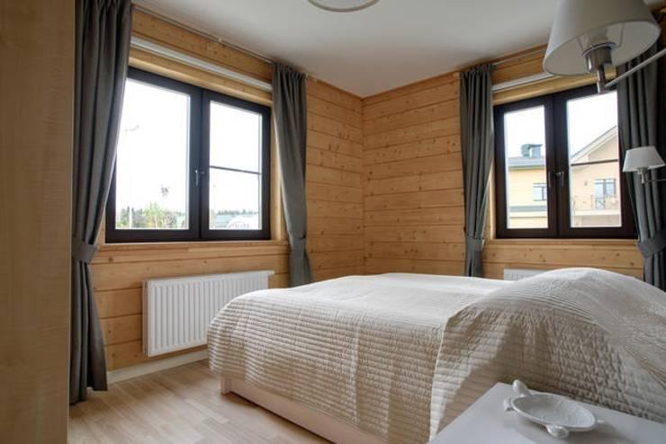 Dormitorios de estilo  por GOOD WOOD