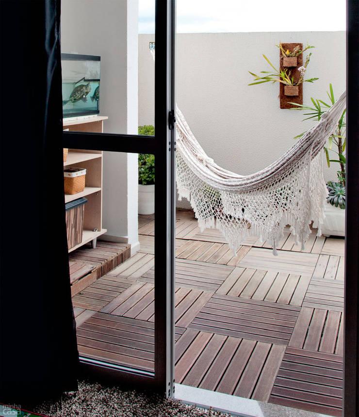 Garden  by Mariana Von Kruger Emme Interiores