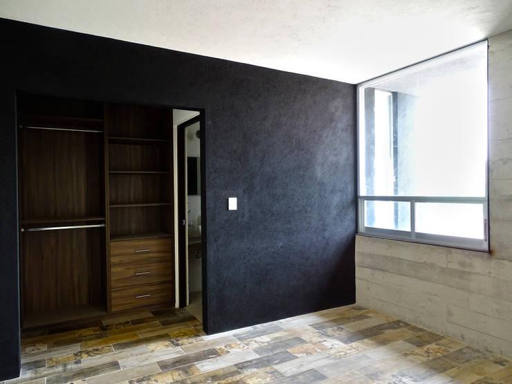 CASA NARANJOS : Recámaras de estilo  por Novhus Oficina de Arquitectura