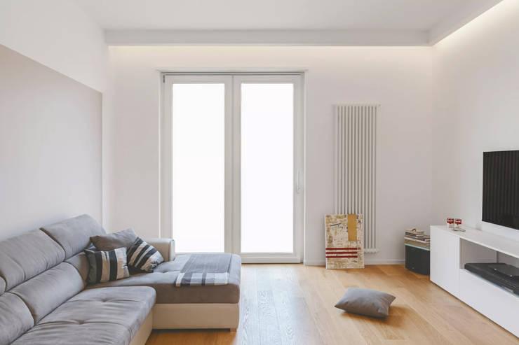 Livings de estilo moderno por salvatore cannito architetto