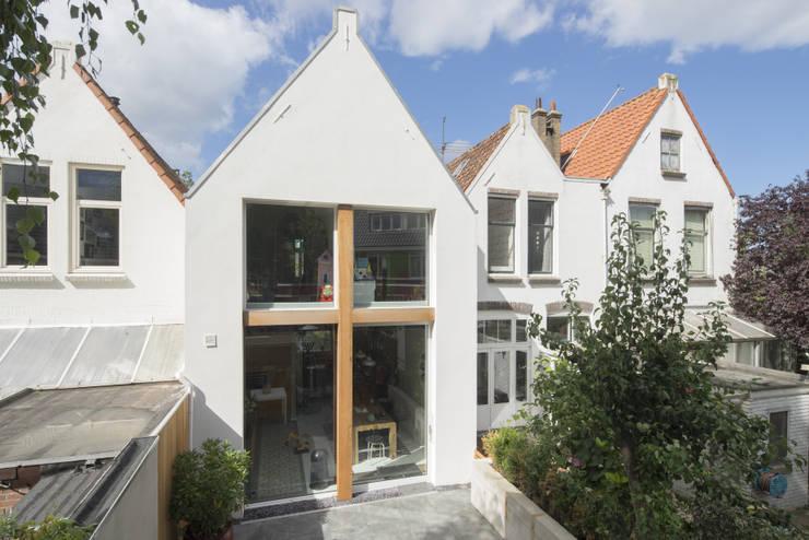 Uitgerekt Huis:  Huizen door Ruud Visser Architecten