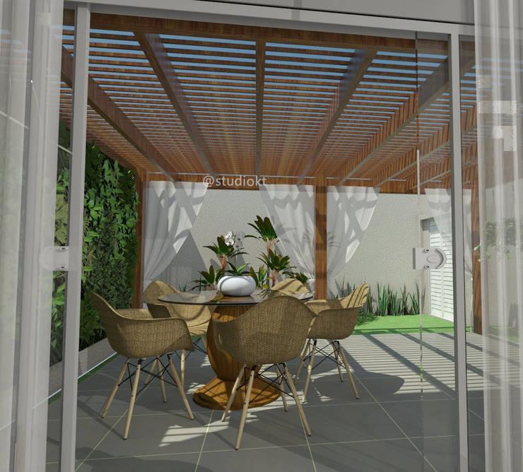 Balcones y terrazas de estilo moderno por Studio KT arquitetura.design