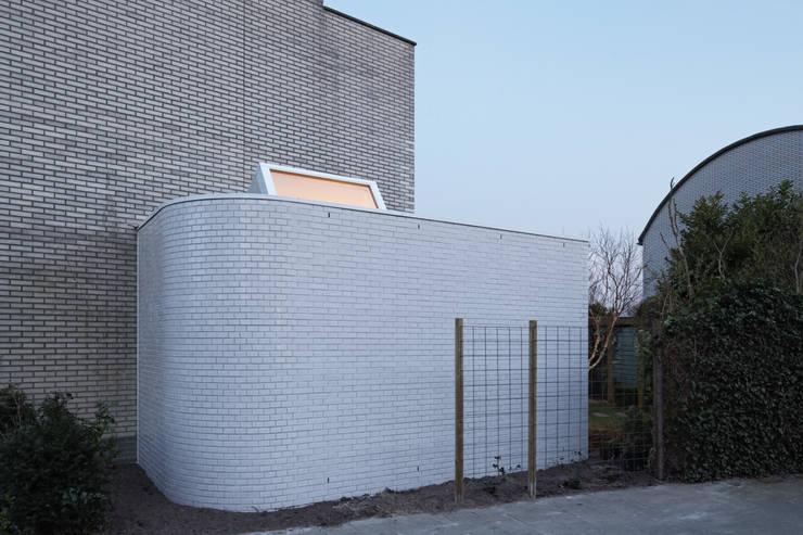 Uitbreiding doorzonwoning Utrecht: moderne Woonkamer door Ruud Visser Architecten