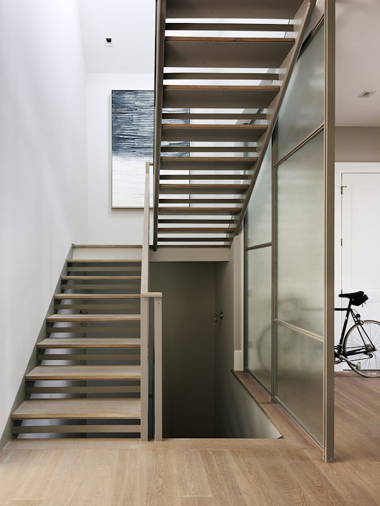 Noe Valley I:  Corridor & hallway by Feldman Architecture