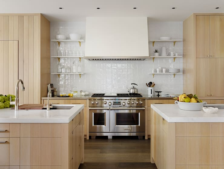 The Grange:  Kitchen by Feldman Architecture