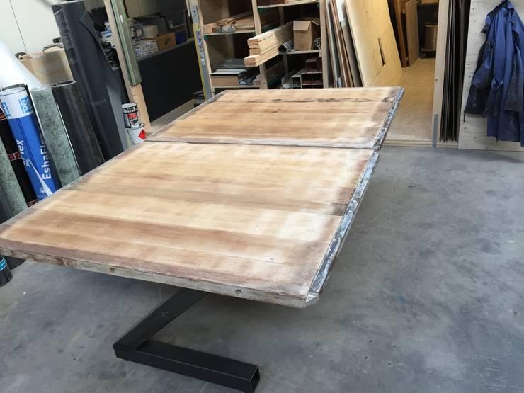 Eettafel.:   door WE-Maatdesign, Industrieel Hout Hout