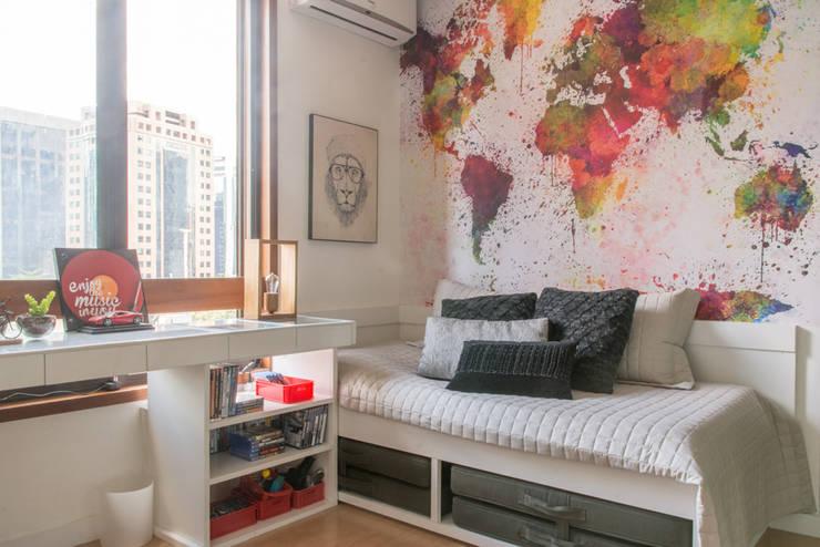 Dormitorios de estilo  por Danyela Corrêa Arquitetura