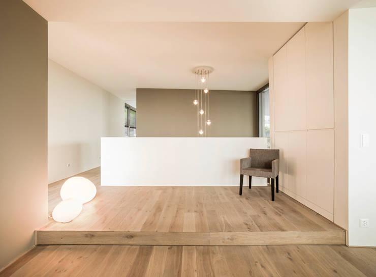 Corridor and hallway by meier architekten