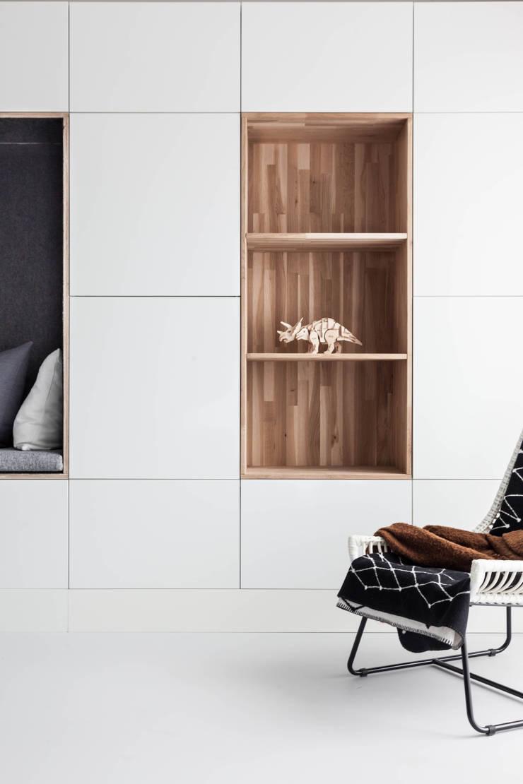 Woonhuis | Leiden:  Woonkamer door Design Studio Nu, Scandinavisch Hout Hout