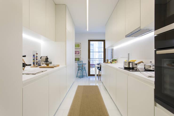 Cozinha: Cozinha  por Traço Magenta - Design de Interiores,